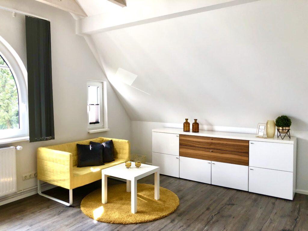 """Grundrisse und Ansichten der """"Villa Aldenburg"""" - oberes Schlafzimmer mit Rundbogenfenster"""